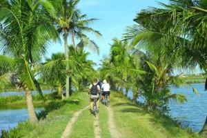 bicycle tour- hoian services